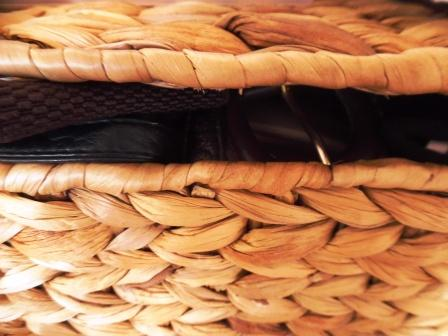 This glove basket made of reed is all natural