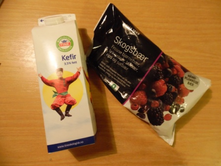 kefir and berries