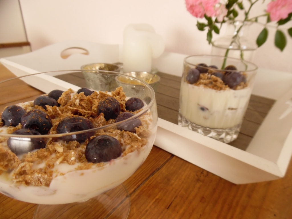 crunchy layered yoghurt with blueberries
